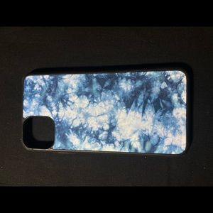 Blue and white tie dye case